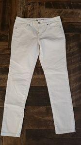 INC 5 pocket white Jean's in EUC